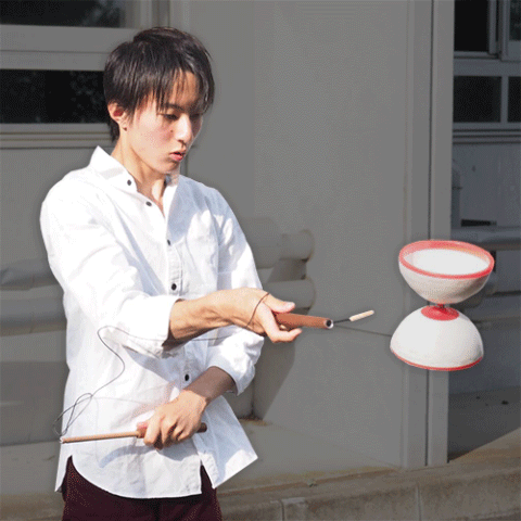 Saki Sensui is one of the J-SLIDING diabolo & chinese yoyo team members from Japan